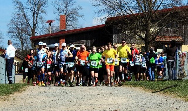 Start des Halbmarathons im Ortsteil Sophienhof