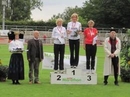 Platz 3 für Heidrun Müller über 800 m der W50