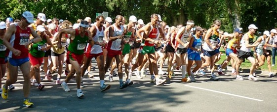Start zum 20 Kilometer Gehen im William Land Park in Sacramento