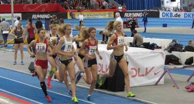 Vorlauf 1.500m mit Astrid Hartenstein (310)