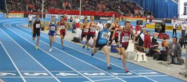 Finale 800m - Finish: Schembera (216) knapp vor Keiner (309)