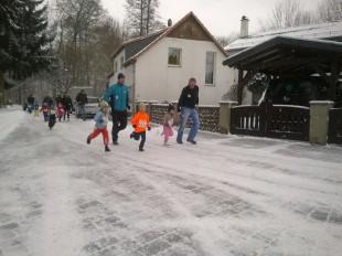 21 Kinder hatten beim Bambinilauf viel Spaß. Auch Walker waren zahlreich am Start.