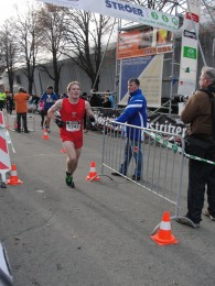 10 km Sieger Christian König beim Zieleinlauf