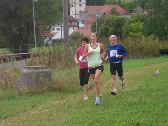 Katrin Garber (Mitte) und links die spätere Siegerin Diana Hopf