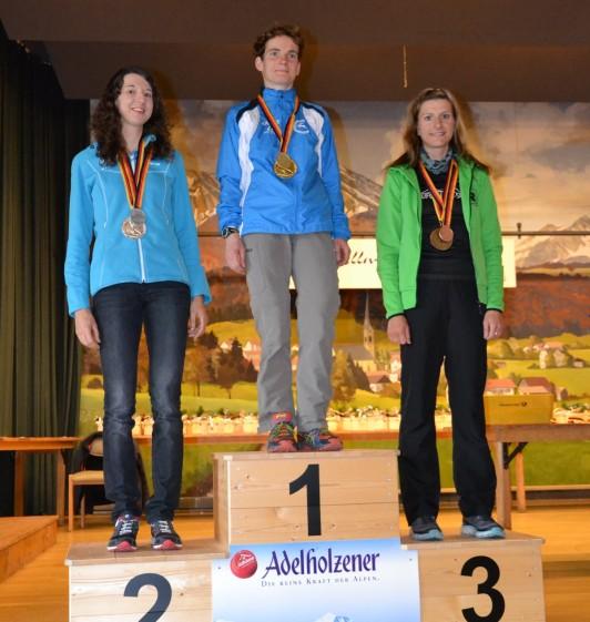 Siegerehrung der Frauen mit Nicole Kruhme (re.)