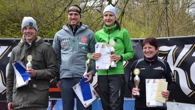 Strahlende Sieger bei der Ehrung: Sebastian Keybe, Thomas Bing, Nicole Kruhme und Beate Ernst (v.l.n.r.)