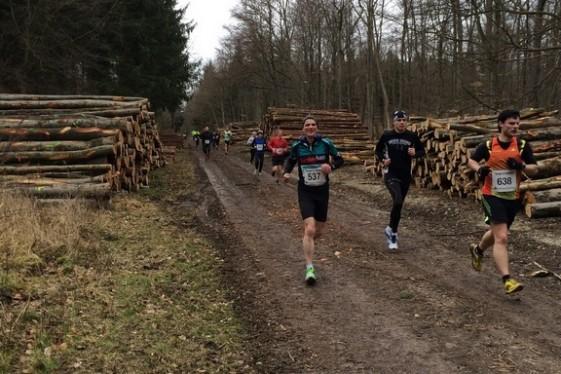 8-Kilometer-Läuferfeld beim Possenlauf
