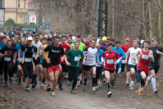 Start des 13 Kilometer Wertungslaufs