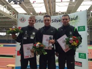 Die Erstplatierten über 10 Kilometer: Marcel Bräutigam (2., li.), Philipp Reinhardt (1.) und Christian Seiler (3., re.)