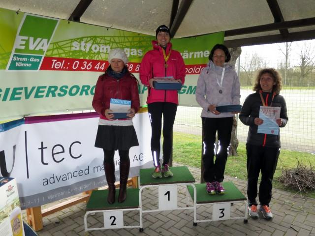 Siegerinnen beim 37. Moorentallauf Apolda über die Halbmarathondistanz (v.l.n.r: Judith Paul, Kristin Hempel, Andrea Matthes und Steffi Debertshäuser)