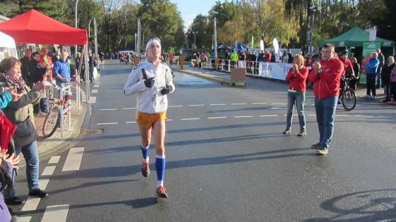 Zieleinlauf von Lars Rößler nach schweren 50 Kilometern
