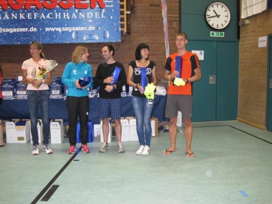 Ehrung der besten drei Mixedteams (v.l. Juliane Heinze, Rebecca Gessat, Patrick Letsch, Kristin Hempel und Tobias Henkel)