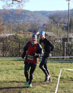 Laufen kann man auf den ersten 20 Kilometern auf landschaftlich schöner Strecke.
