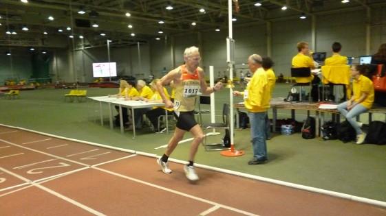 Hartmut Erdmann geht im 1500-Meter-Finale in die letzte Runde