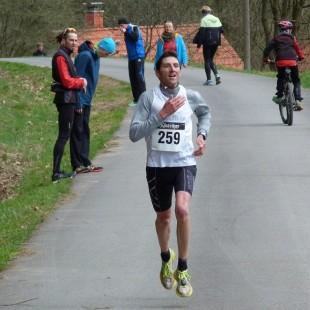 Gewannen souverän den Hallbmarathon: Dominik Koch...