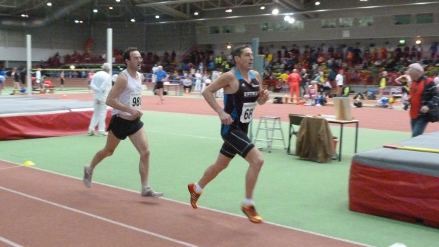 Stephan Bayer (hinten) verpasst über 3000 Meter eine Medaille knapp