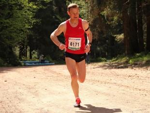2014-Sieger Heiko Ludewig kämpfte sich diesmal unter Schmerzen ins Ziel