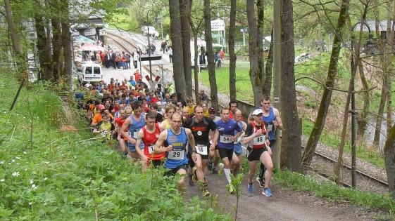Start zum 14. Bergbahnlauf an der Talstation Obstfelderschmiede