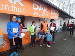Die drei schnellsten Frauen Beate Ernst, Maria Füldner und Kathleen Alles (v.l.n.r.) bei der Siegerehrung (Foto: Jörg Bauer).