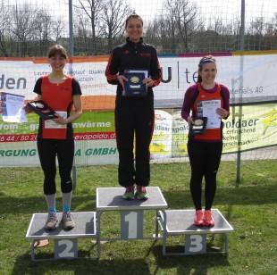 Marie Brückner, Kristin Hempel und Lusie Krieghoff (alle USV bei der Siegerehrung v.l.n.r.)