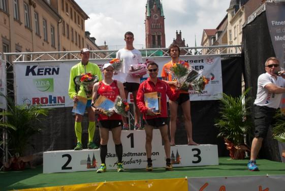 Siegerehrung der Männer über 13,3 Kilometer