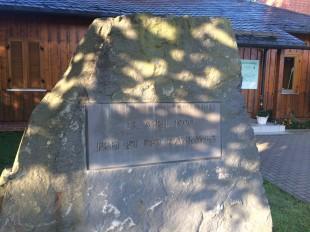 Gedenkstein an die Grenzöffnung am Rennsteig