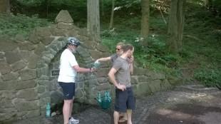 Wasser auch für Radbegleiter