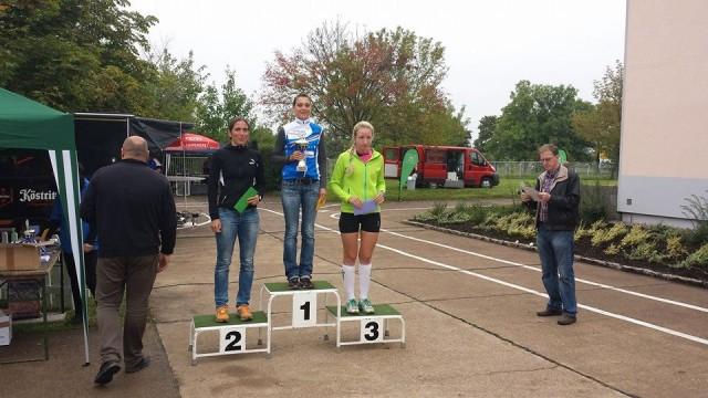Siegerinnen des Hauptlaufes (v.l.n.r. Andrea Gießmann, Kristin Hempel, Heidi Wilschewski)