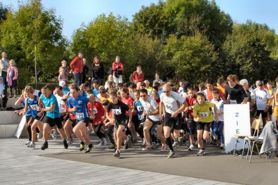 Start zum 20. Hohe-Buchen-Lauf 2009