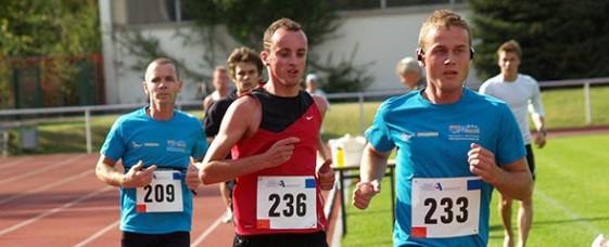 Sören Föt (236) siegte im Stundenlauf, nachdem er wenige Stunden zuvor den Erfurter Zooparklauf gelaufen war