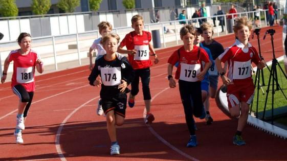 Die Jüngsten beim Viertelstundenlauf, Cedric Hose mit Startnummer 179